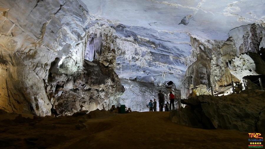 Động Phong Nha tour du lịch Quảng Bình 10