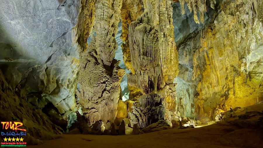 Động Phong Nha tour du lịch Quảng Bình 6