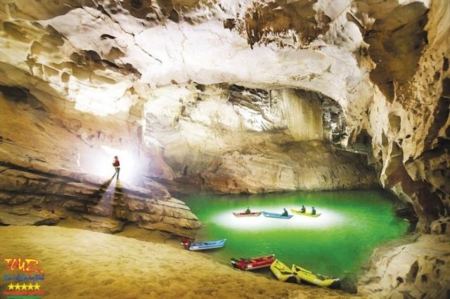 du lịch Quảng Bình tour khám phá 4500m động Phong Nha 10