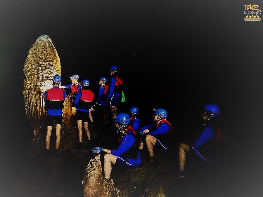 Quảng Bình tour du lịch khám phá động Phong Nha 4500m 5