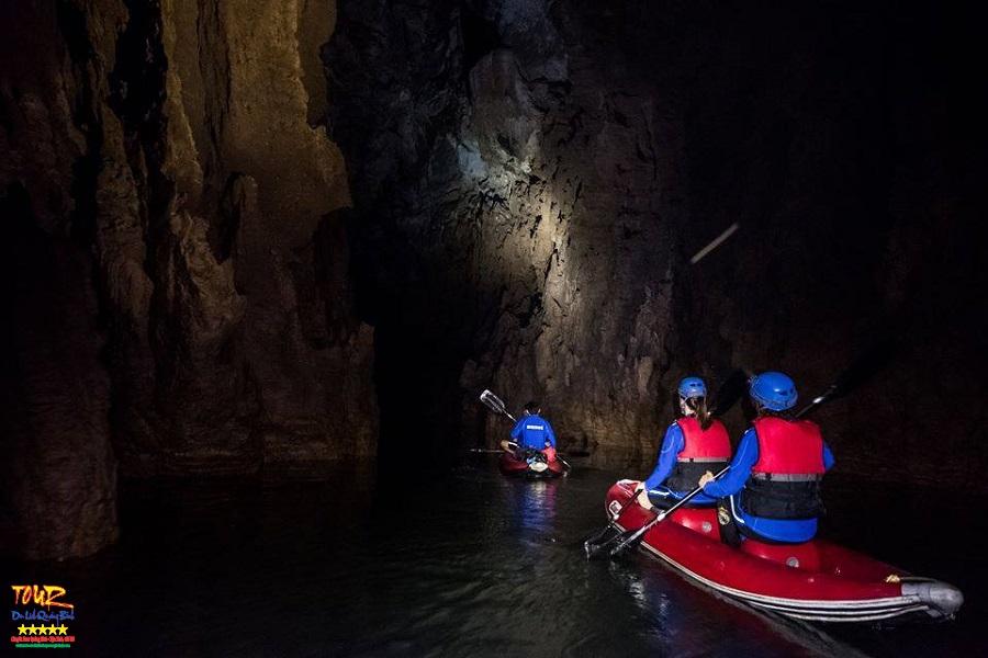 Quảng Bình tour du lịch khám phá động Phong Nha 4500m 9