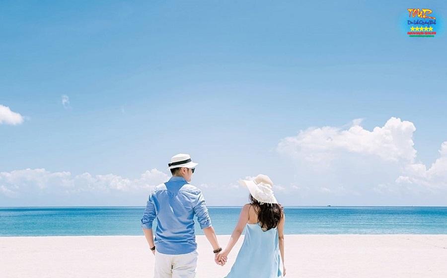Biển Nhật Lệ beach, bãi tắm trung tâm Đồng Hới, du lịch Quảng Bình 1