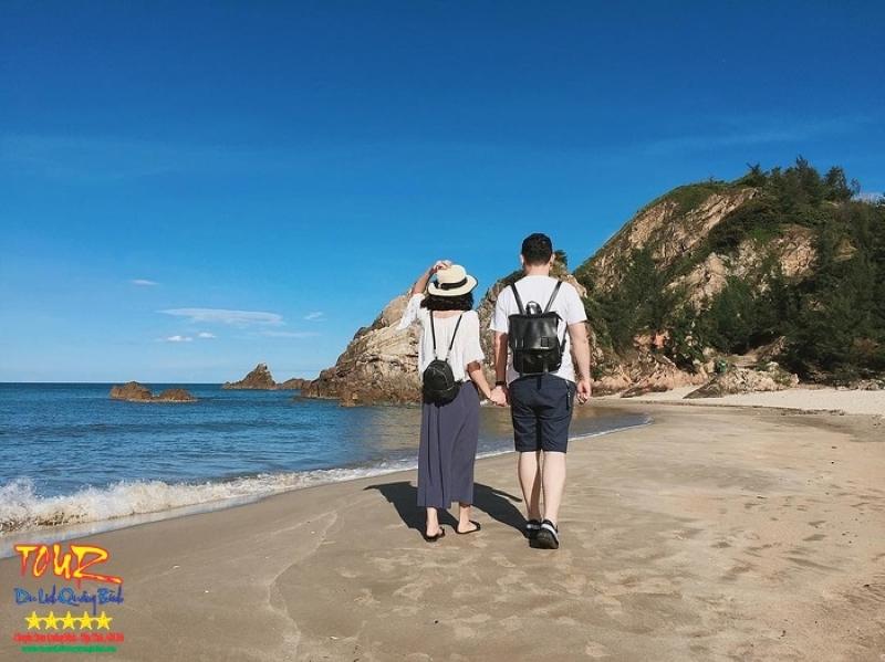 Du lịch Quảng Bình bãi biển Đá Nhảy 1