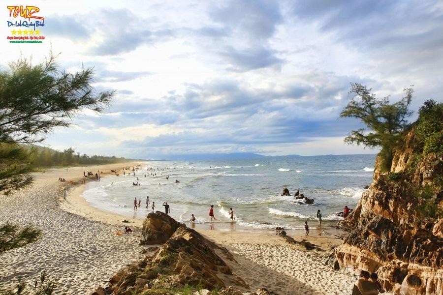 Du lịch Quảng Bình bãi biển Đá Nhảy 2