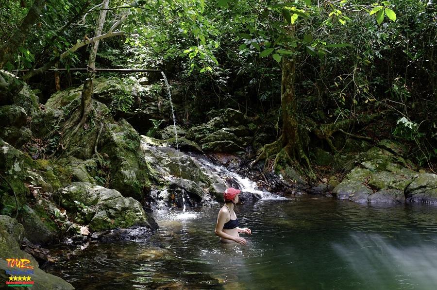 Du lịch Quảng Bình thác Gió, vườn thực vật Phong Nha 2