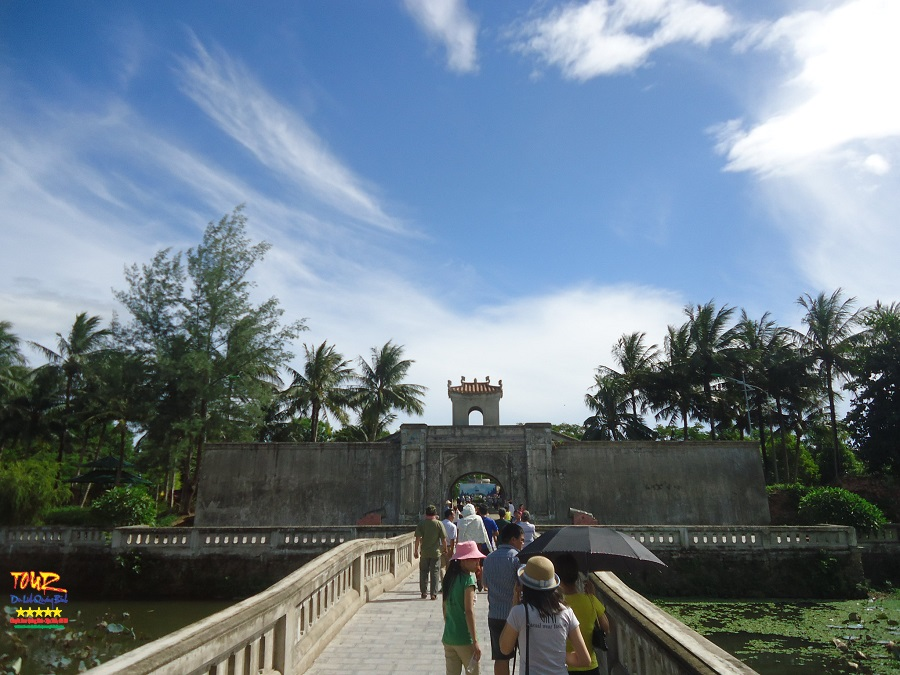 Tour Quảng Bình du lịch Quảng Trị đến Thành cổ 1
